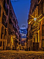 Calle Buenavista Lavapies, Madrid (Javier Balanzat Duque) Tags: madrid street city espaa atardecer calle spain ciudad paisaje hood barrio cuesta bsfilms