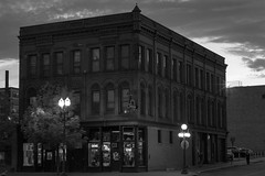 _DSC0443 Saint Paul, Minnesota USA (POV Heartland) Tags: street city sunset 2 urban bw minnesota architecture night evening sony e twincities fe saintpaul a7 lowertown a7ii loxia sonyalpha loxia250 loxiaf250mm loxiaf250