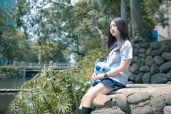 IMG_2995 (Yi-Hong Wu) Tags: 年輕 新竹 動物 寵物 女孩 古蹟 可愛 制服 少女 娃娃 青春 陽光 玩偶 活力 戶外 日系 護城河 史迪奇 小清新