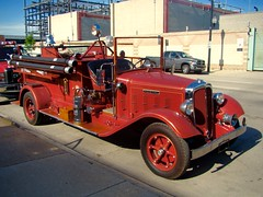 Photo study of the 1934 Federal.engine (Chicago Rail Head) Tags: chicago511muster firstprize bestlooking 1934federal classicantique oldfiretruck restoration chicagofireacademy yearlymuster firemuseumofgreaterchicago