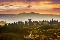 Tuscany's Sunset (fesign) Tags: autumn sunset sky italy sunlight house tree nature horizontal fog landscape outdoors photography florence solitude hill nopeople val tuscany discovery idyllic mountainrange tranquilscene ruralscene beautyinnature internationallandmark colourimage italianculture builtstructure sunrisedawn dorcin