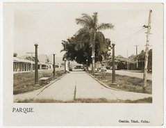 Parque de Casilda (lezumbalaberenjena) Tags: casilda trinidad sancti spiritus cuba vintage old viejas fotos antiguas lezumbalaberenjena