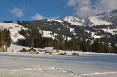 Lauenen dans l'Oberland bernois (CH) (Annelise LE BIAN) Tags: sunshine montagne suisse bleu neige nuages blanc paysages chalets nwn coth neigeetglace
