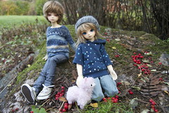 Playtime (tuppi(   ` )) Tags: ball doll may bjd jointed bluefairy tinyfairy