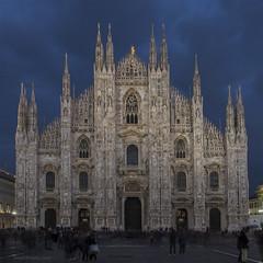 buona notte, milano (ewaldmario) Tags: italien blue italy milan evening abend nikon europe italia nightshot blu dom milano dome bluehour duomo lombardia d800 mailand piazzadelduomo lombardei ewaldmario