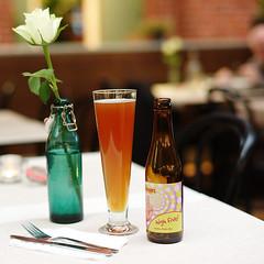 L1011209_v1 (Sigfrid Lundberg) Tags: plants beer rose 50mm skne sweden malm cutlery sonnar carlzeiss malmc csonnart1550 zeiss50mmf15csonnarzm