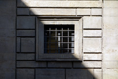 Alberti, Palazzo Rucellai, detail with square window