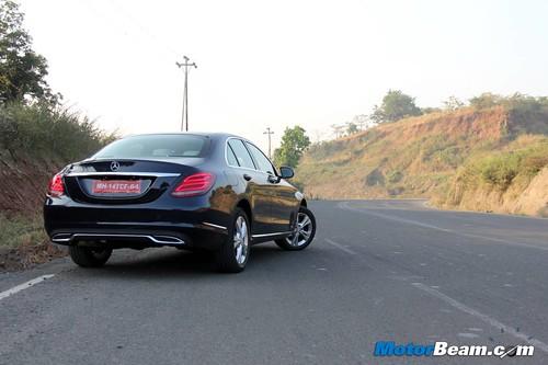 2015-Mercedes-C-Class-10