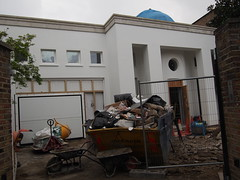 This house is owned by The Fredriksen family, its bought for 30 mill pounds and is now under rehabilitation. Its in The old church street.