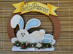GUIRLANDA DE PSCOA COELHO  ABEL (BILUCA ATELIER) Tags: bunnies easter de spring artesanato guirlanda em coelhos mdf pascoa enfeite coelhinho pinturacountry coelhodapscoa biluca guirlandadepscoa