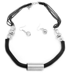 5th Avenue Black Necklace P2140-3