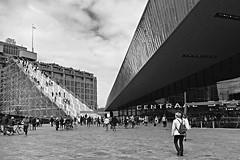 Begin van een  dagje Rotterdam/Start of a day in Rotterdam (jo.misere) Tags: stairs rotterdam war opbouw oorlog trappen