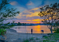 Catching the sunset (Singing With Light) Tags: 2016 28th alpha6000 gulfbeach milford mirrorless morningstroll ny nyc singingwithlight sonya6000 beach connecticut may photography pond singingwithlightphotography sony sony16mm28 sunset