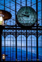 la fuerza del tiempo (felipemadroal) Tags: azul tren reloj farol estacin acero estructuras