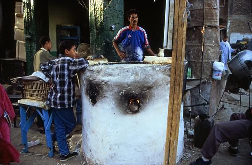 "Ägypten 1999 (226) Im Souk von Luxor • <a style=""font-size:0.8em;"" href=""http://www.flickr.com/photos/69570948@N04/27559749093/"" target=""_blank"">View on Flickr</a>"