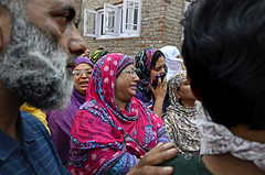 Wailing (Anam lone.) Tags: people india colors women colours mourning killing outdoor photojournalism funeral conflict killed gloom reportage wailing indianarmy kashmiriwomen womeninconflict kashmirconflict indianforces conflictinkashmir gettyimagesreportage innocentkilling