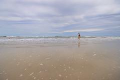 PRIMO POMERIGGIO PRIMA BAGNANTE (GRAZIE PER LA VISITA) Tags: sea costa beach nikon italia nuvole mare rimini spiaggia sabbia romagna litorale bagnante bagnasciuga sigma1020 nikond90