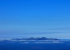 Por encima de las nubes (garciegido) Tags: asturias picosdeeuropa