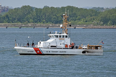 Picture Taken From The Staten Island Ferry  Of The United States Coast Guard Patrol Boat Sailfish (WPB 87356). Photo Taken Monday June 27, 2016 (ses7) Tags: ferry island coast boat guard states staten viewunited