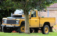 E29 LUY (Nivek.Old.Gold) Tags: 1988 land rover 110 high capacity pickup 2495cc diesel hcpu