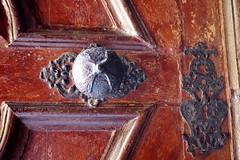 kapurészlet / gate detail (debreczeniemoke) Tags: detail church gate catholic trinity romancatholic templom kapu baiamare szentháromság katolikus nagybánya részlet rómaikatolikus olympusem5 sanctatrinitas