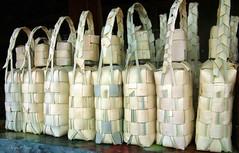 Alignement de bouteilles d'alcool de palme (ninatheo2) Tags: myanmar birmanie alignements