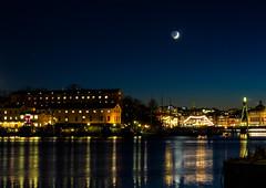 Stockholm, November 25, 2014 (Ulf Bodin) Tags: autumn moon reflection sweden stockholm sverige skeppsholmen hst mne strandvgen stockholmsln