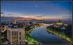 Kuching at dawn (RenoVal) Tags: fujifilm xt1 samyang12mm120ncscs