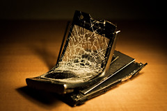 Anger (Guilleont) Tags: 6 broken mobile day ray phone bend ericsson sony bad cell movil screen anger rage dia violence rough bent flex ira telefono wrath mal fury violencia pantalla roto though temper rota iphone flexible enfado ire furia doblado xperia