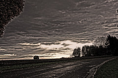 ciel de plomb sur la route de Letricourt (domiloui) Tags: france rain clouds composition automne flickr pluie lorraine campagne couleur canton orage reportage ambiance lothringen cooliris mywinners abaucourt desesprance blinkagain infinitexposure