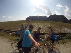 Photo de 14h - A vélo avec Maxime et Anaïs (Tam Coc) - 28.11.2014