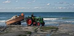 Ambleteuse (noenkelMi) Tags: sea tractor france beach clouds strand boot boat fisherman waves noordzee wolken zee visser northsea frankrijk ambleteuse clif golven kliffen
