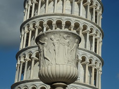 Torre de Pisa (chilangoco) Tags: italy sculpture tower art europa europe italia torre arte pisa escultura toscana leaning inclinada