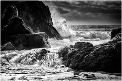 Jeux de vagues sur les rochers (Corse) (tognio62) Tags: sunset sea sky mer seascape water clouds canon vent waves cloudy corse corsica ciel nuages vagues rocher sanguinaire nuageux agit canoneos6