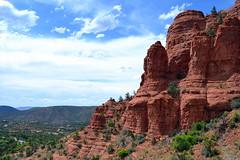Sedona Arizona (Vinny Gragg) Tags: arizona cloud mountain mountains clouds sedona redrock rockformations rockformation birdrock sedonaarizona