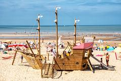 De Haan -2- (Jan 1147) Tags: sea summer beach nature strand boot coast boat belgium outdoor natuur zee zomer dehaan kust belgiancoast belgischekust buitenopname vlaamsekust