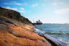 (Sameli) Tags: sea ship summer water cliff shore sunny laajasalo ljysatama helsinki suomi finland