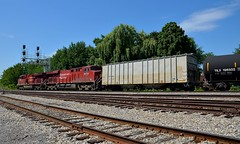 Interesting buffer car (Michael Berry Railfan) Tags: cp650 ethanoltrain fueltrain lasalle cp canadianpacific adirondacksub montreal quebec train freighttrain ge generalelectric gevo es44ac cp8868 cp9373