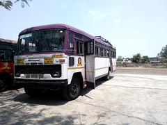MSRTC ACGL built bus Stopped for Lunch break near Satara (gouravshinde94) Tags: msrtc bus hirakani tata acgl sangli pune