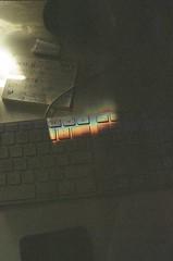 Teclado (Rodrigo Piedra) Tags: teclado keyboard arcoiris light