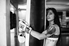 Illy Vita (elparison) Tags: boxe boxeur woman sexy sport pretty bw portrait ritratto