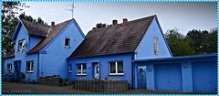Living in the Blue (Gerald Paetzer) Tags: rdinghausen blau farbe haus architektur gebude outdoor rahmen