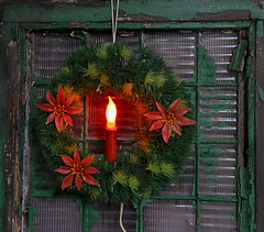 Vintage Christmas Light (BKHagar *Kim*) Tags: christmas old decorations light holiday green window vintage lights candle poinsettia plastic wreath factorywindow riversong lightupdecorations bkhagar julesphotochallengegroup
