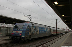 Equality 101 (The Rubberbandman) Tags: railroad against station electric modern train germany ic europe long paint br central railway loco trains special 101 german hate violence locomotive bremen bahn range centralstation intercity deutsche projet trainee br101 sheme longrange delmenhorst baureihe
