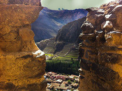 "Vue des greniers _ Ollantaytambo • <a style=""font-size:0.8em;"" href=""http://www.flickr.com/photos/113766675@N07/16028879630/"" target=""_blank"">View on Flickr</a>"