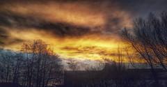 Burning sky (PonasPaskalis) Tags: morning sky sun photo google burning galaxy plus s5