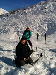 In ginocchio nella neve (FabienClimb) Tags: rosa neve belvedere monte inverno montagna morena ghiacciaio ciaspolata