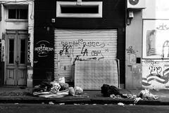 Epoca: Actual (Gustavo Facci) Tags: street bw trash calle bn basura colchon mugre