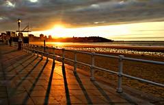 Sunset Gijn. (David S. Daz) Tags: sunset sun sol beach de atardecer asturias playa puesta gijon sombras