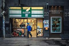 DSC_7916 (juor2) Tags: daily streetsnap mexico city d750 nikon scene street seven eleven starbucks